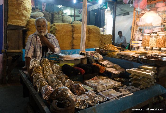 The Ramzan special market around Nakhoda Masjid