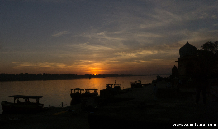 Sunset over river Narmada in Maheshwar
